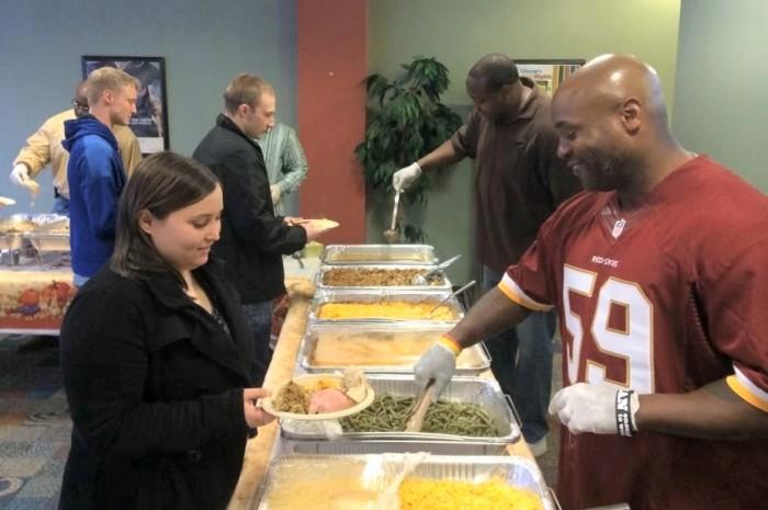NAS PAXRVR sailors enjoy a Thanksgiving meal at the Liberty Center